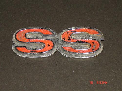 Repuesto Emblema SS Chevy