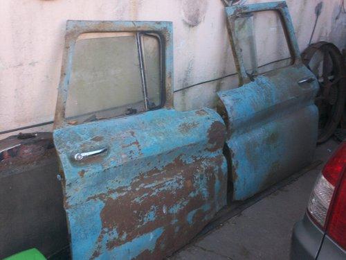 Repuesto Puertas Apache 1962