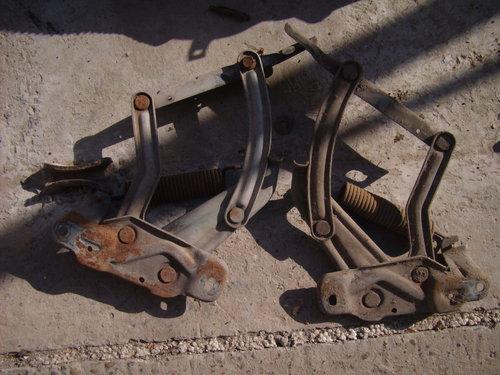 Repuesto Bisagras Capot Chevrolet 400