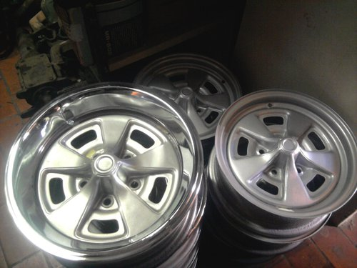Part Chevrolet 400 Chevy Rims