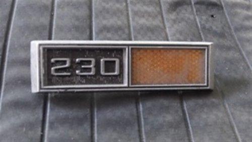 Repuesto Insignia Guardabarro Chevy 230