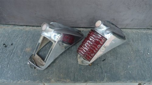 Repuesto Molduras Faro Trasero Chrysler