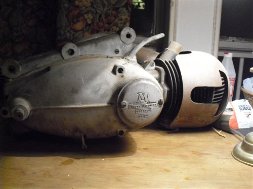 Part Decarlo 200 Engine