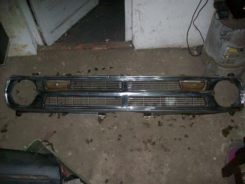 Part Parrilla Camioneta Dodge 100 O 200