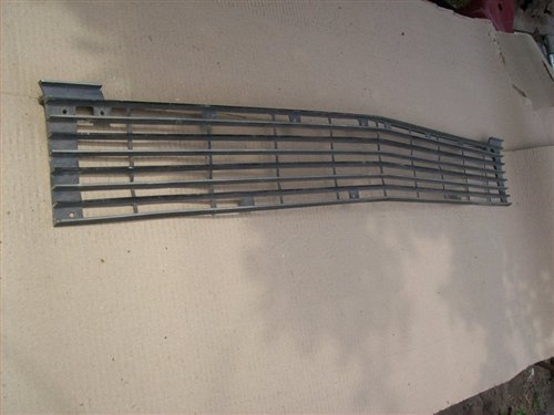 Part Chevrolet 400 Grill