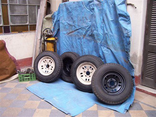 Part Covers Tires Ford F100