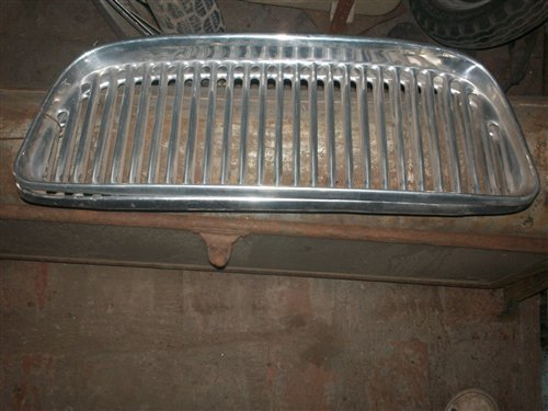 Part Grill 4 Renault
