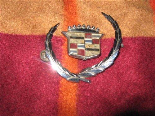 Part Cadillac Logos