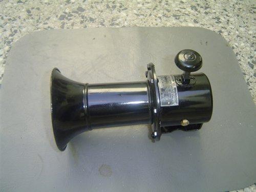 Part Horn Hand