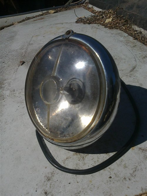 Part Lighthouse Peugeot 404