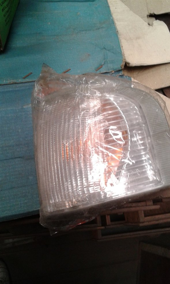 Part Left Front Turn Headlight Ford Escort