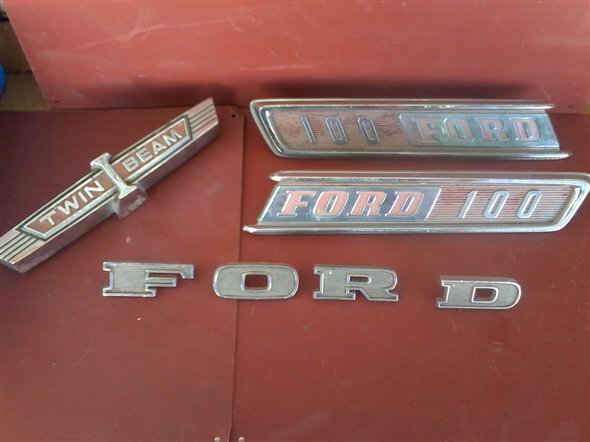 Part Batch 1970 Ford Logos