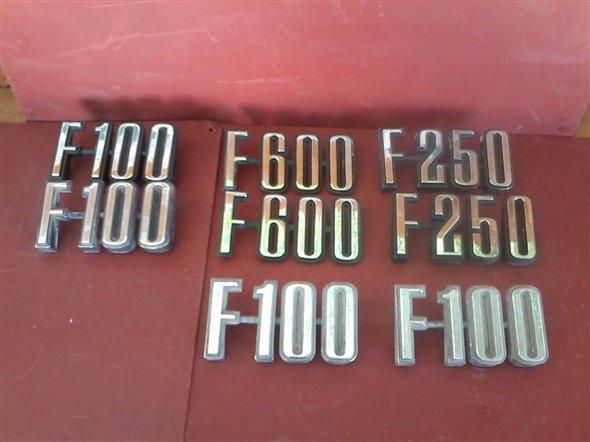 Repuesto Insignias F100