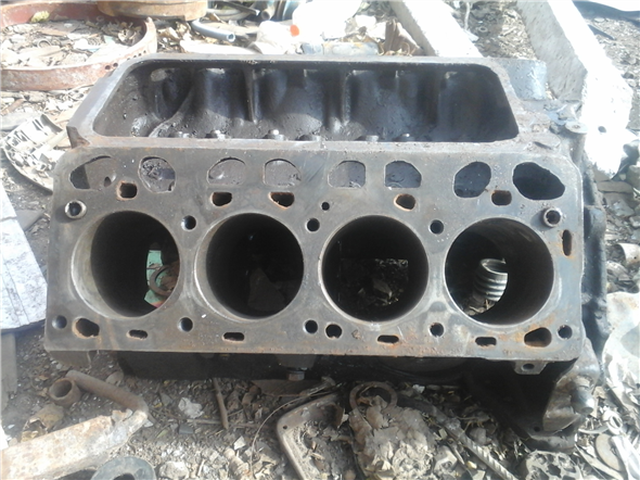 Part Block V8 Ford Without 04
