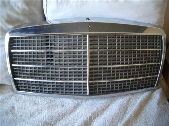 Part Mercedes Benz Grill