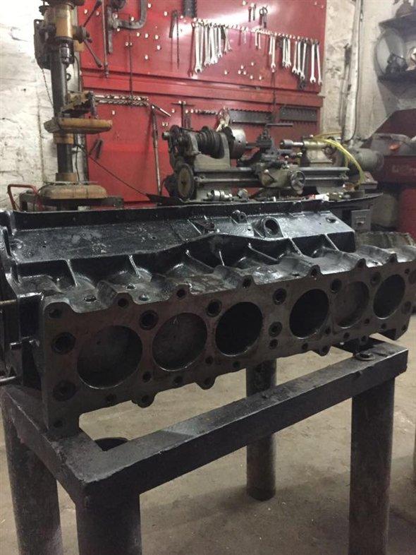 Part Champion Chevrolet Engine