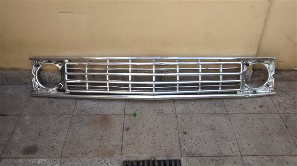 Part Grill Ford Falcon Std 1973 / 80
