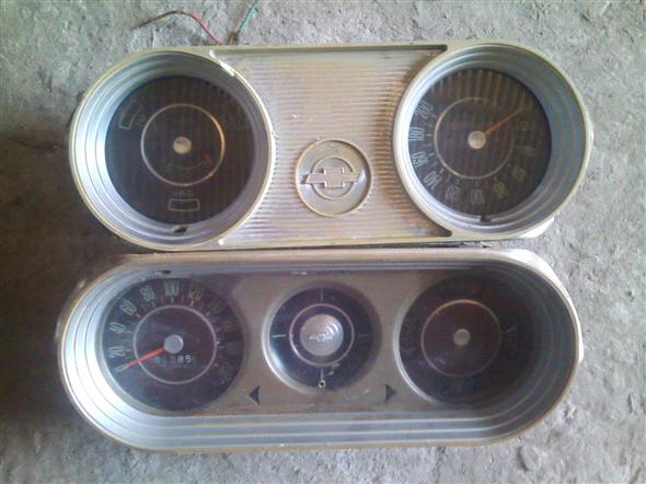 Part Chevrolet 400 instruments