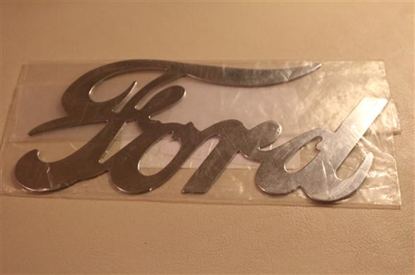 Part Logo silver Ford radiator