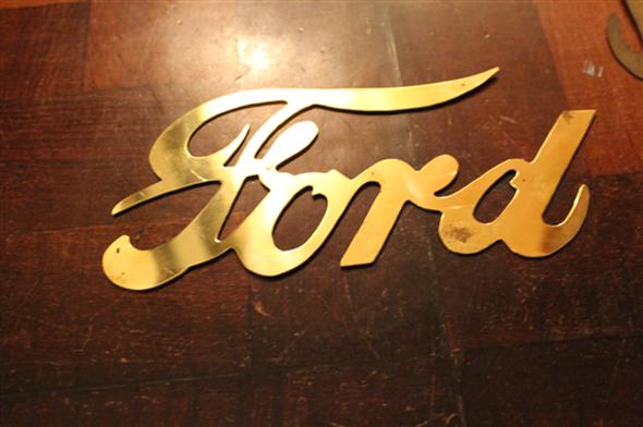 Repuesto Insignia Radiador Ford Dorada