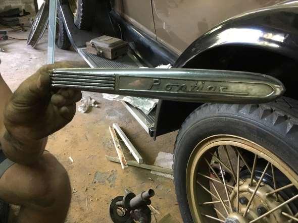 Repuesto Moldura Pontiac