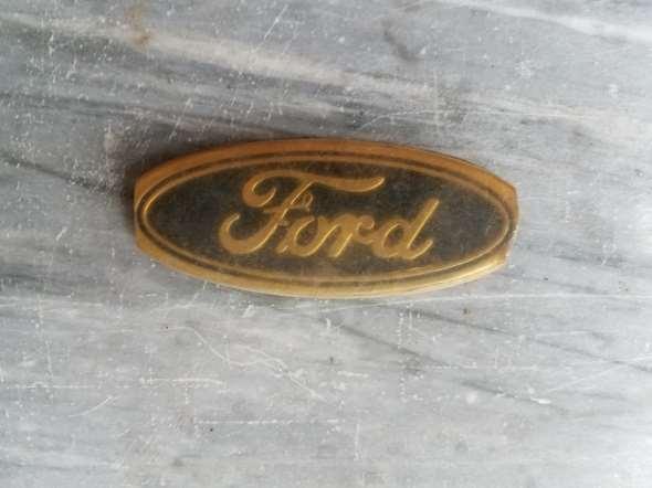 Insignia Plastico Ford