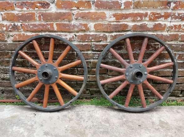 Repuesto Par Ruedas Ford T 30 X 3 Y Medio