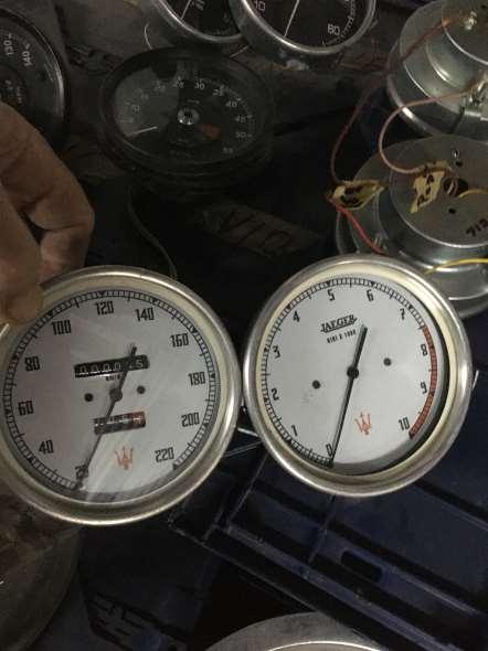 Velocimtro Y Cuentavuelta Maserati