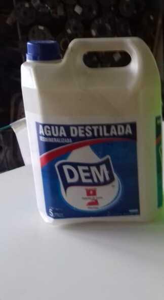 Agua Destilada Dem