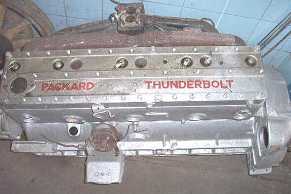 Motor Packard Thunderbolt