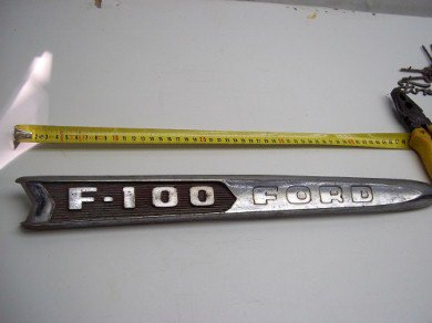 Part Ford F100 Bonnet Badge