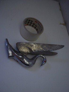 Part Ornament Bonnet Swan