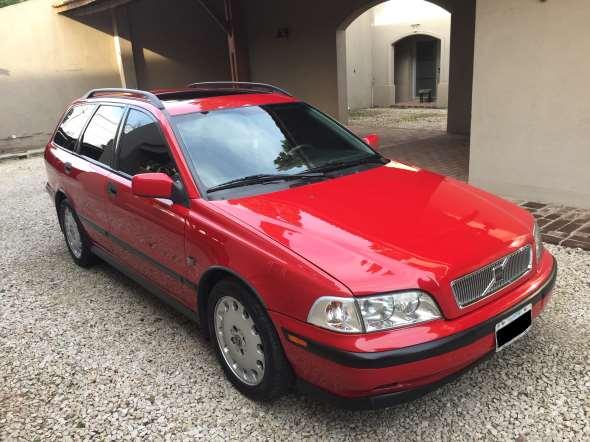 Auto Volvo V40 T4 200 Hp 1998