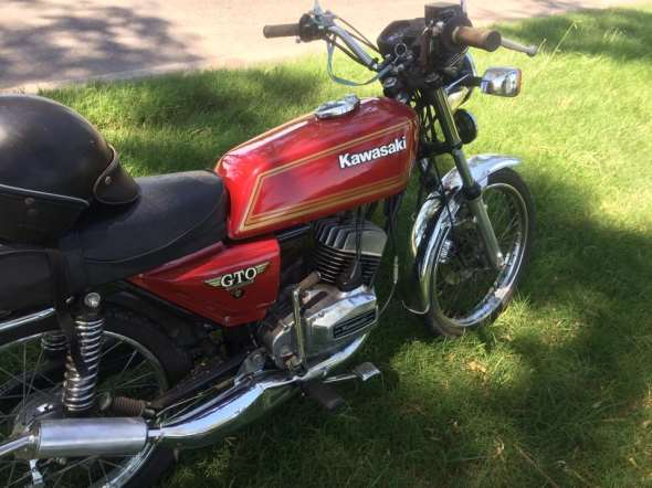 Moto Kawasaki GTO