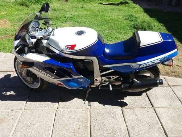 Moto Suzuki GSXR 750R