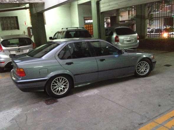 Auto BMW 325i 1994