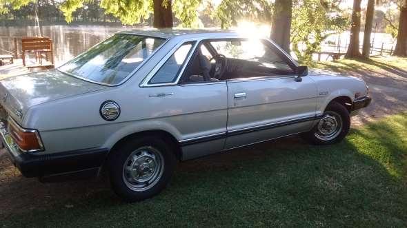 Auto Subaru Leone