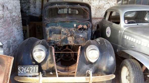 Auto Ford 1937 V8