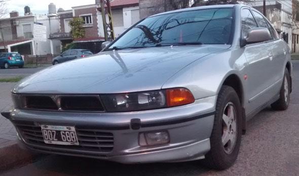 Auto Mitsubishi Galant Super Saloon