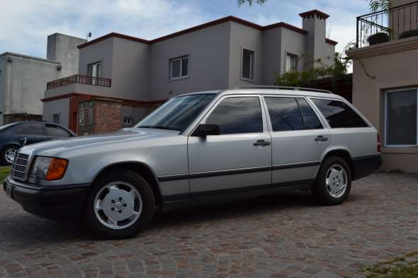 Auto Mercedes Benz 300TE