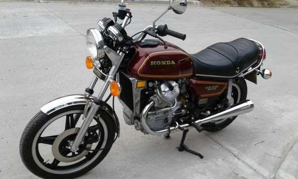 Moto Honda CX 500 Deluxe
