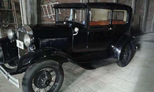 Auto Ford A Tudor 1930