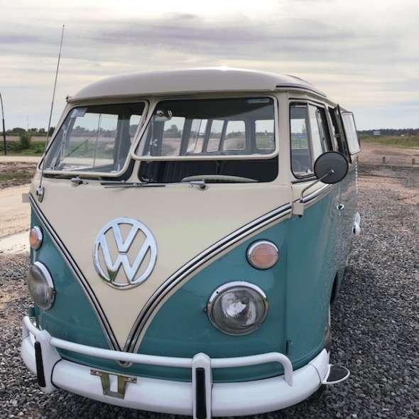 Auto Volkswagen Kombi