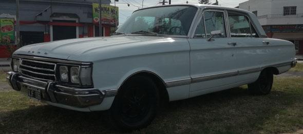 Auto Ford Futura Deluxe