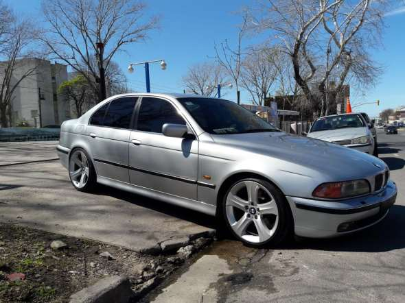 Auto BMW 540IA