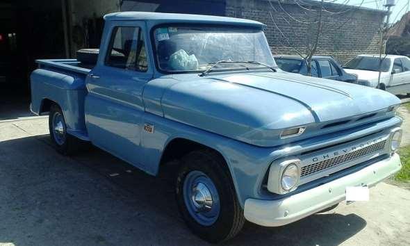 Auto Chevrolet C10 Apache 1966