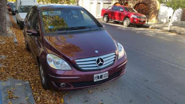 Auto Mercedes Benz B200
