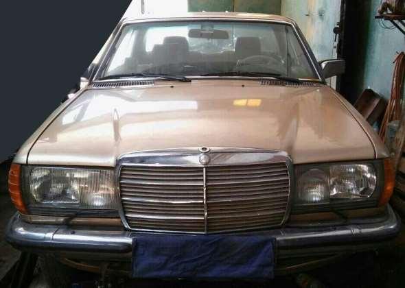 Auto Mercedes Benz 280 CE