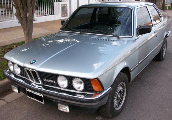 Auto BMW 323i