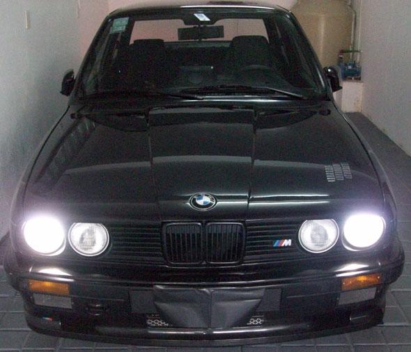 Car BMW 320IE Coupé